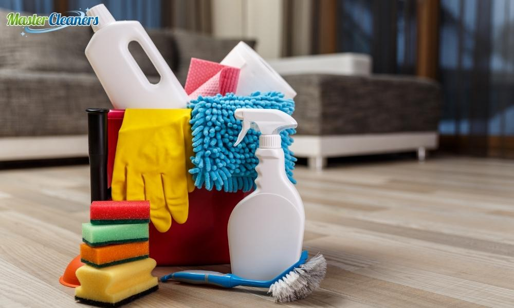 How long does a cleaner take to clean a house?