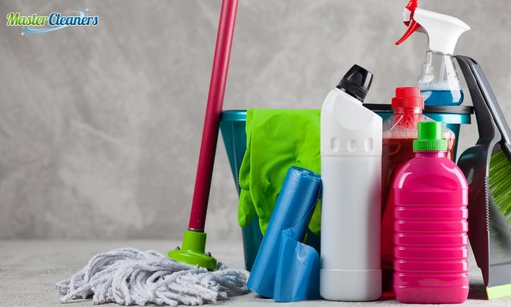 What is the best way to clean a bathroom?